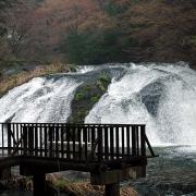 ベンチもある滝見台
