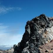 大岩と青空
