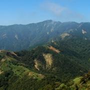 ヤビツ峠から鳥尾山、行者ヶ岳へ―2005秋の丹沢表尾根縦走 その一